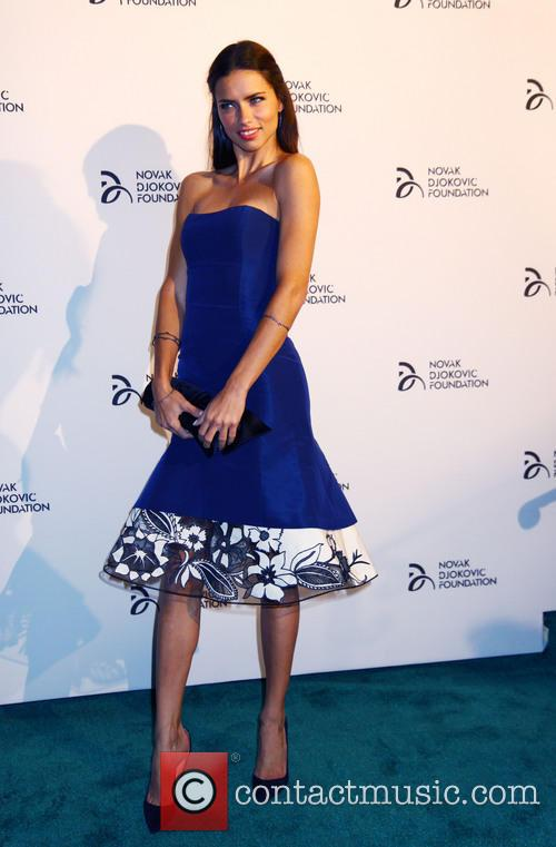 adriana lima 2013 novak djokovic dinner 3864005
