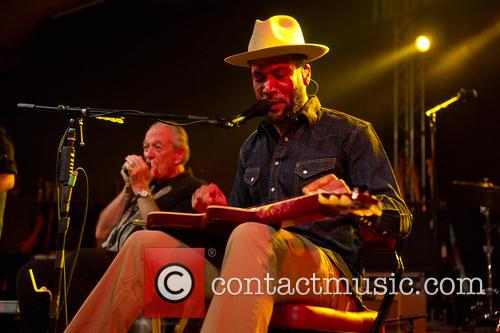 Charlie Musselwhite and Ben Harper 4