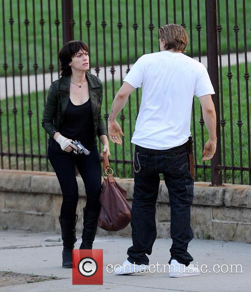 Charlie Hunnam and Maggie Siff 4