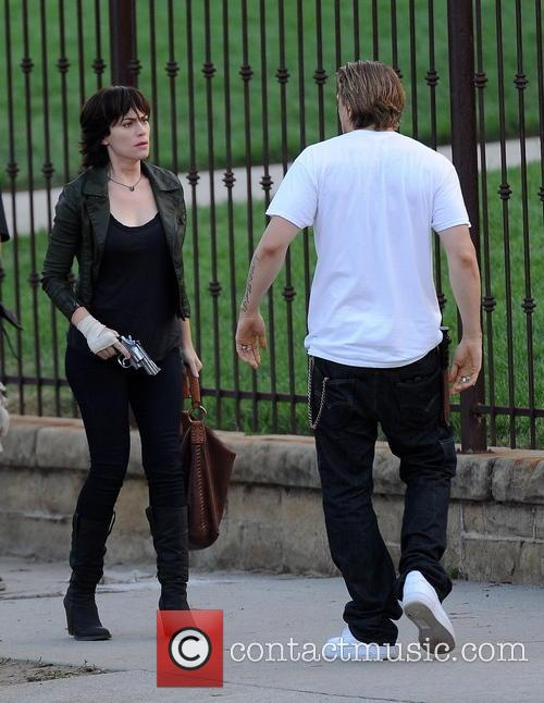 Charlie Hunnam and Maggie Siff 6