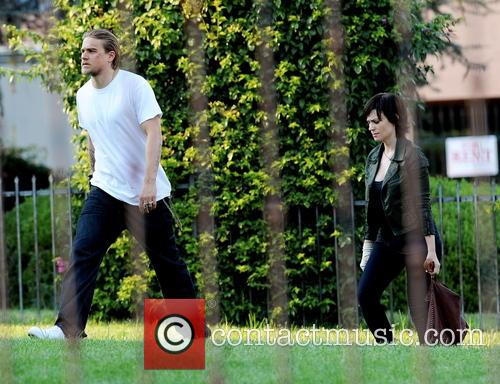 Charlie Hunnam and Maggie Siff 8