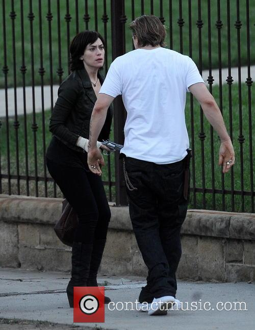 Charlie Hunnam and Maggie Siff 11