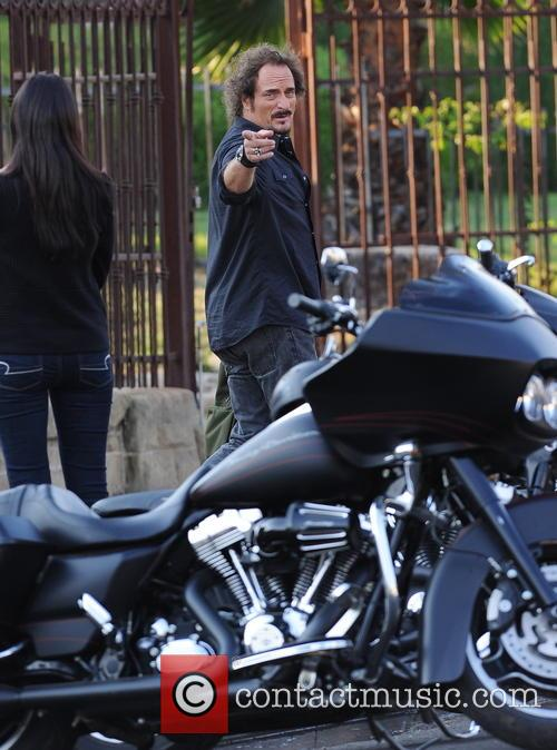 Charlie Hunnam Filming Sons Of Anarchy
