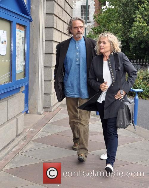 Jeremy Irons and Sinead Cusack 5