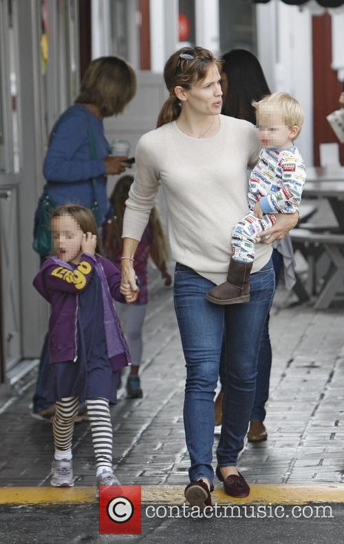 Jennifer Garner, Seraphina Affleck and Samuel Affleck 5
