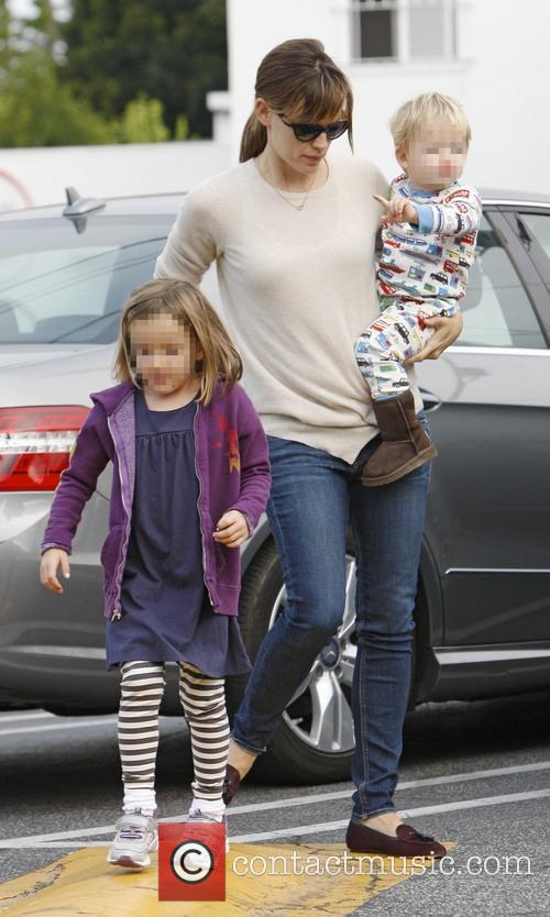 Jennifer Garner, Seraphina Affleck and Samuel Affleck 6