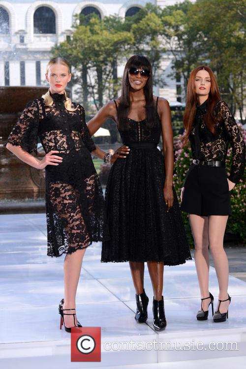 Anne V, Naomi Campbell and Lydia Hearst 1