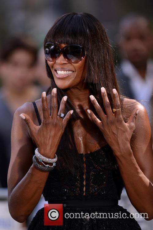 Naomi Campbell 32
