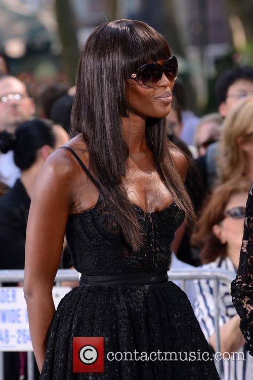 Naomi Campbell 33