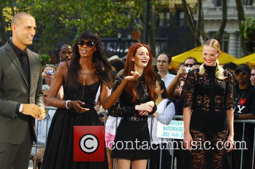 Naomi Campbell, Lydia Hearst and Anne V 8