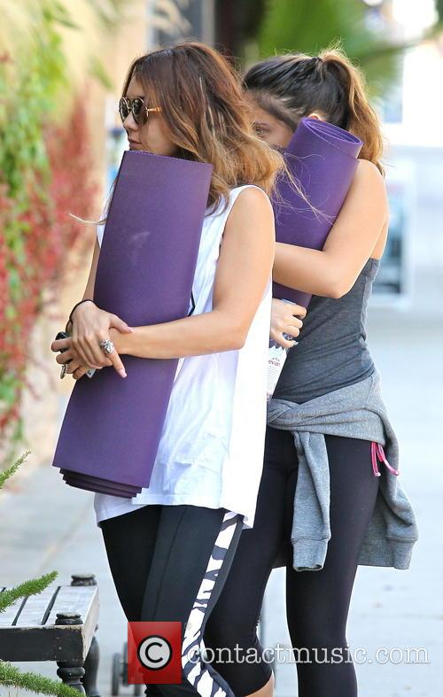 Vanessa Hudgens and Stella Hudgens 6