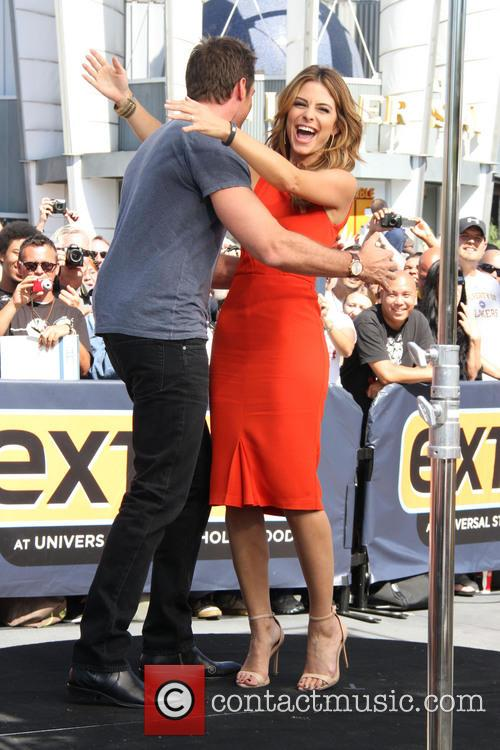 Hugh Jackman and Maria Menounos 10