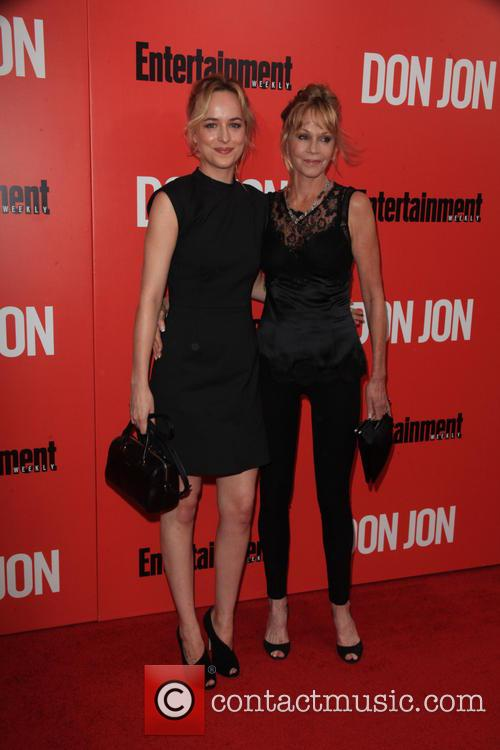 Dakota Johnson and Melanie Griffith 3