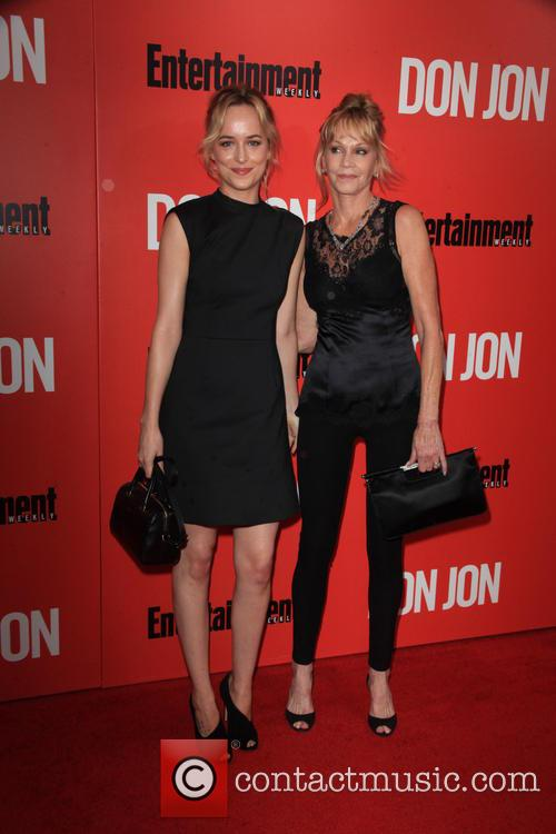 Dakota Johnson and Melanie Griffith 4