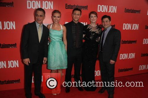 The Cast of Don Jon, Tony Danza, Scarlett Johansson, Joseph Gordon-Levitt, Julianne Moore and Jeremy Luc 1