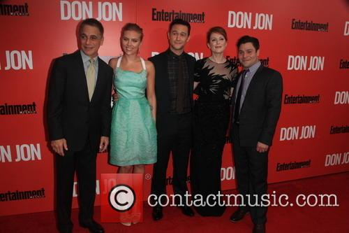 The Cast of Don Jon, Tony Danza, Scarlett Johansson, Joseph Gordon-Levitt, Julianne Moore and Jeremy Luc 2