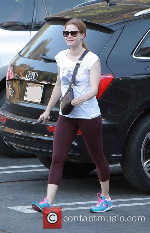 Amy Adams takes her daughter to school