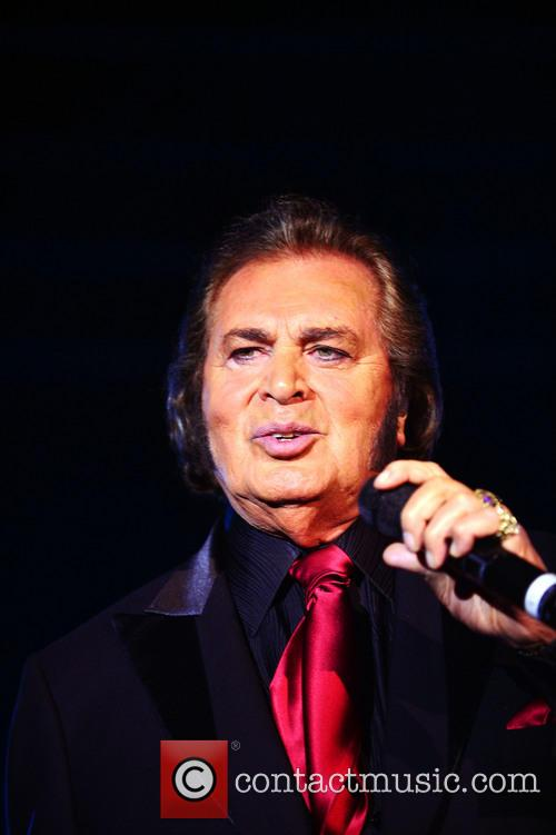 Engelbert Humperdinck performing live in concert