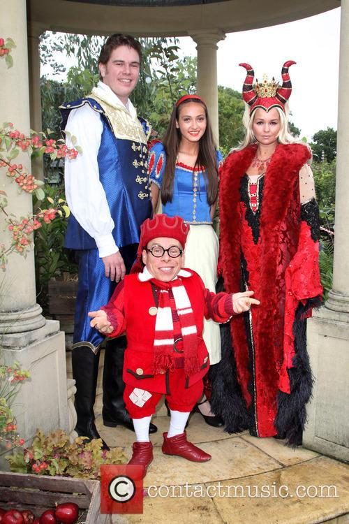 Shaun Dalton, Kate Stewart, Jennifer Ellison and Warwick Davis 3