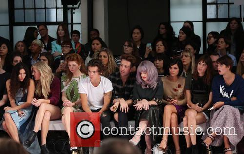 Eliza Doolittle, Ellie Goulding, Nicola Roberts, Harry Styles, Nick Grimshaw, Kelly Osbourne, Leigh Lezark, Alexa Chung and Pixie Geldof 4