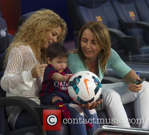 Shakira, Milan Pique Mebarak and Montserrat Bernabeu 5
