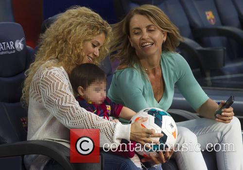 Shakira, Milan Pique Mebarak and Montserrat Bernabeu 8