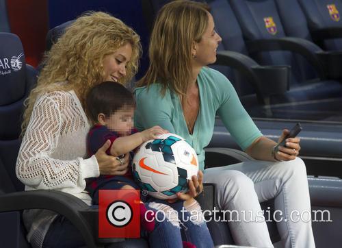 Shakira, Milan Pique Mebarak and Montserrat Bernabeu 11