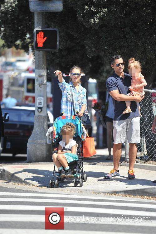 Honor Warren, Jessica Alba, Haven Warren and Cash Warren 6
