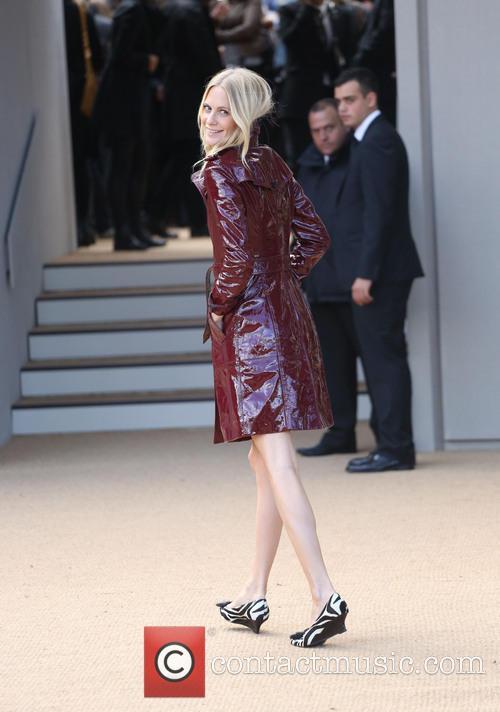 poppy delevingne london fashion week ss14  3869437