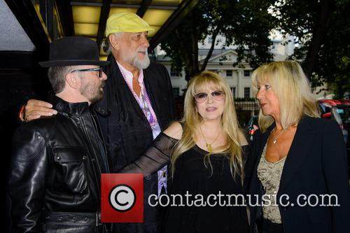 Dave Stewart, Mick Fleetwood and Stevie Nicks 10