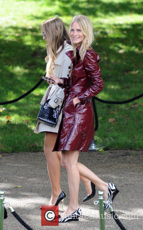 poppy delevingne london fashion week ss14  3870942