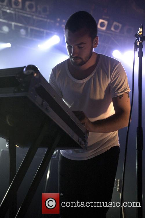 The 1975 Performs The 02