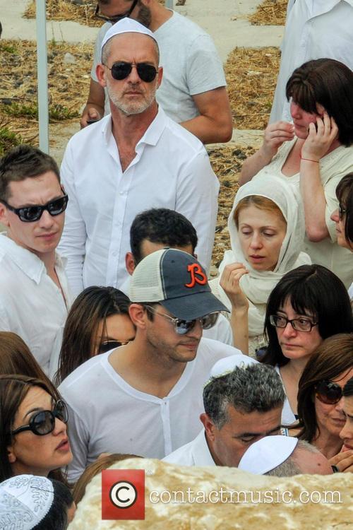 Ashton Kutcher at Rabbi Shraga Berg's funeral