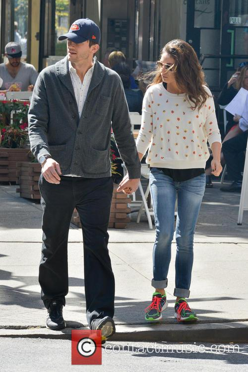 Ashton Kutcher and Mila Kunis 6