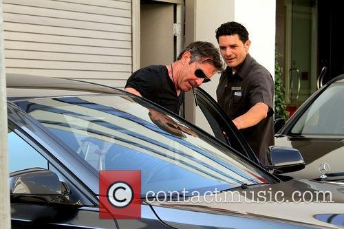 Dennis Quaid Leaving Hotel