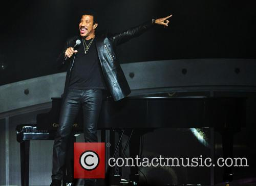 lionel richie lionel richie performs at hard 3873435