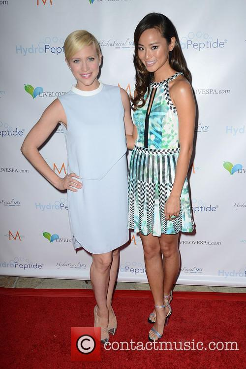 Brittany Snow and Jamie Chung 2