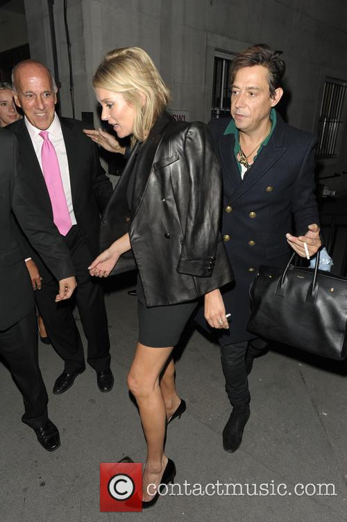 kate moss jamie hince private view of kate 3875157