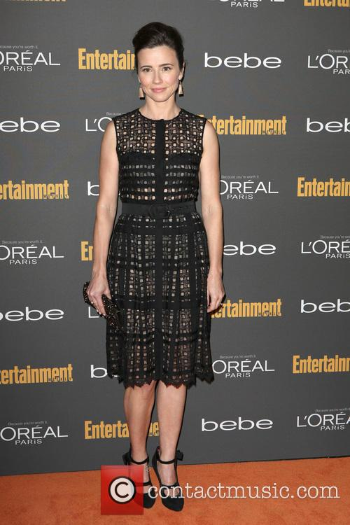 linda cardellini entertainment weeklys pre emmy party 3876727
