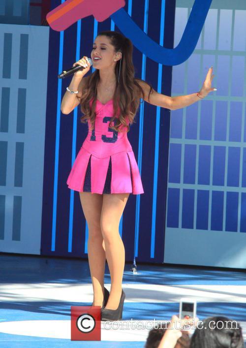 Ariana Grande 15