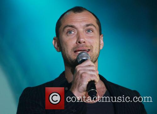 jude law concert in aid of peace 3876751