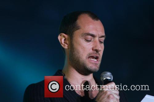 jude law concert in aid of peace 3876779