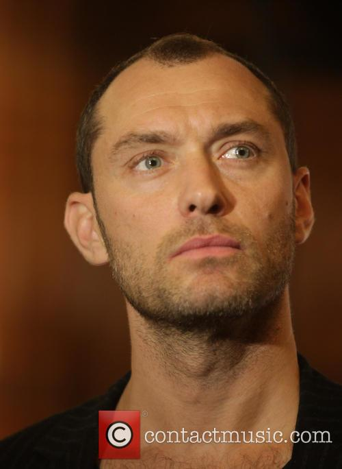 jude law concert in aid of peace 3876806