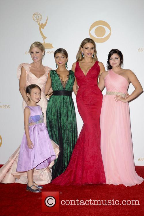 Julie Bowen, Sofia Vergara, Ariel Winter, Sarah Hyland and Aubrey Anderson-emmons 1