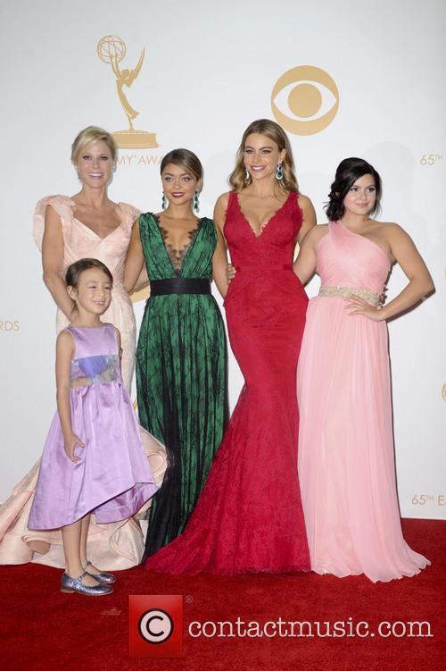 Julie Bowen, Sofia Vergara, Ariel Winter, Sarah Hyland and Aubrey Anderson-emmons 2