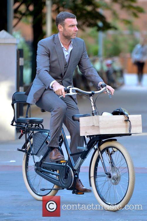 Liev Schreiber On The School Run