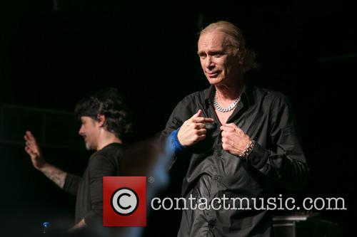 The Winery Dogs In and Concert 3