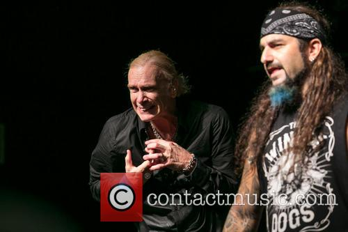The Winery Dogs In and Concert 6