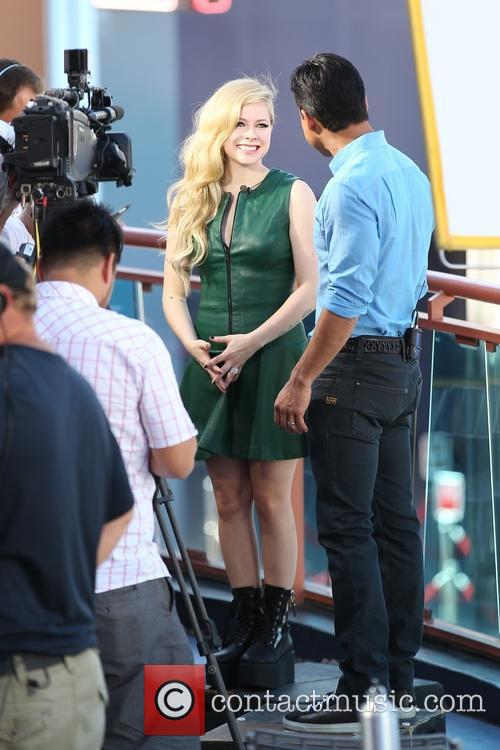 Avril Lavigne and Mario Lopez