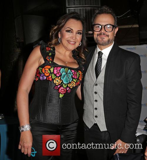 Aida Cuevas and Aleks Syntek 2